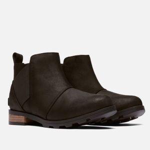 NWT Sorel Emelie Chelsea Boot-Black